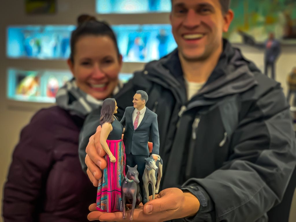 3d-printed-figurine-couple-with-dog