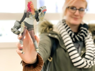 3D printed figurine and cosplayer
